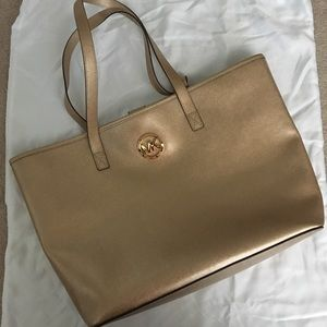Michael Kors Pale Gold Jet Set Tote